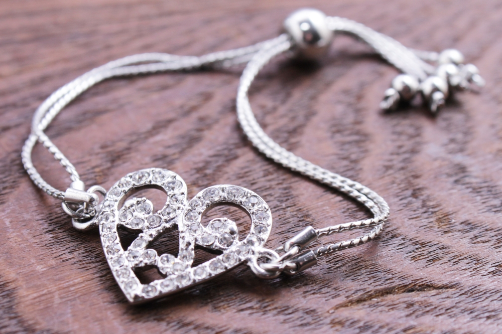 friendship bracelet with silver heart