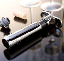 Le Creuset Pompe à Vin et Bouchon
