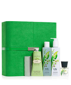 cratree & evelyn gift set sale, lily, ultimate luxuries