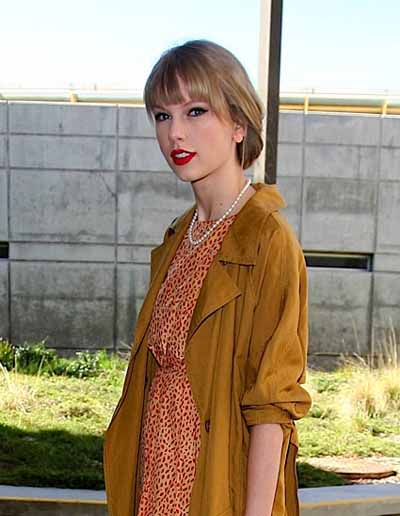casual pearls, tailor swift