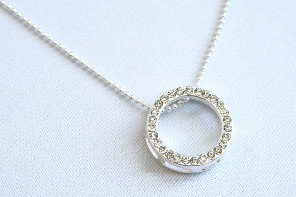 alena_kirby_circle_necklace