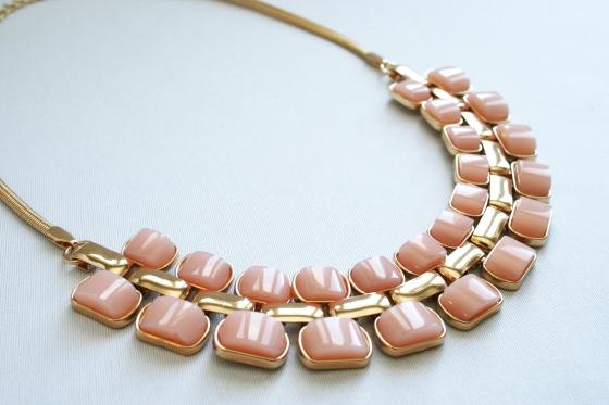 alena_kirby_statement_necklace