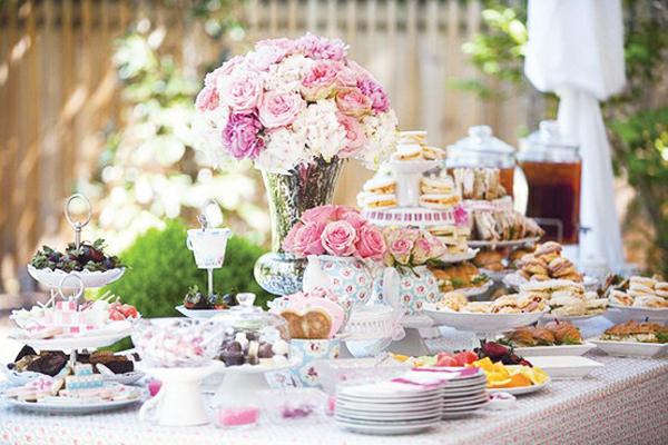 vintage-dish-host-afternoon-tea