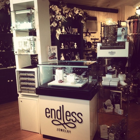 Enldess jewelry, Alena Kirby