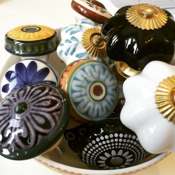 decorative door knobs, drawer pulls