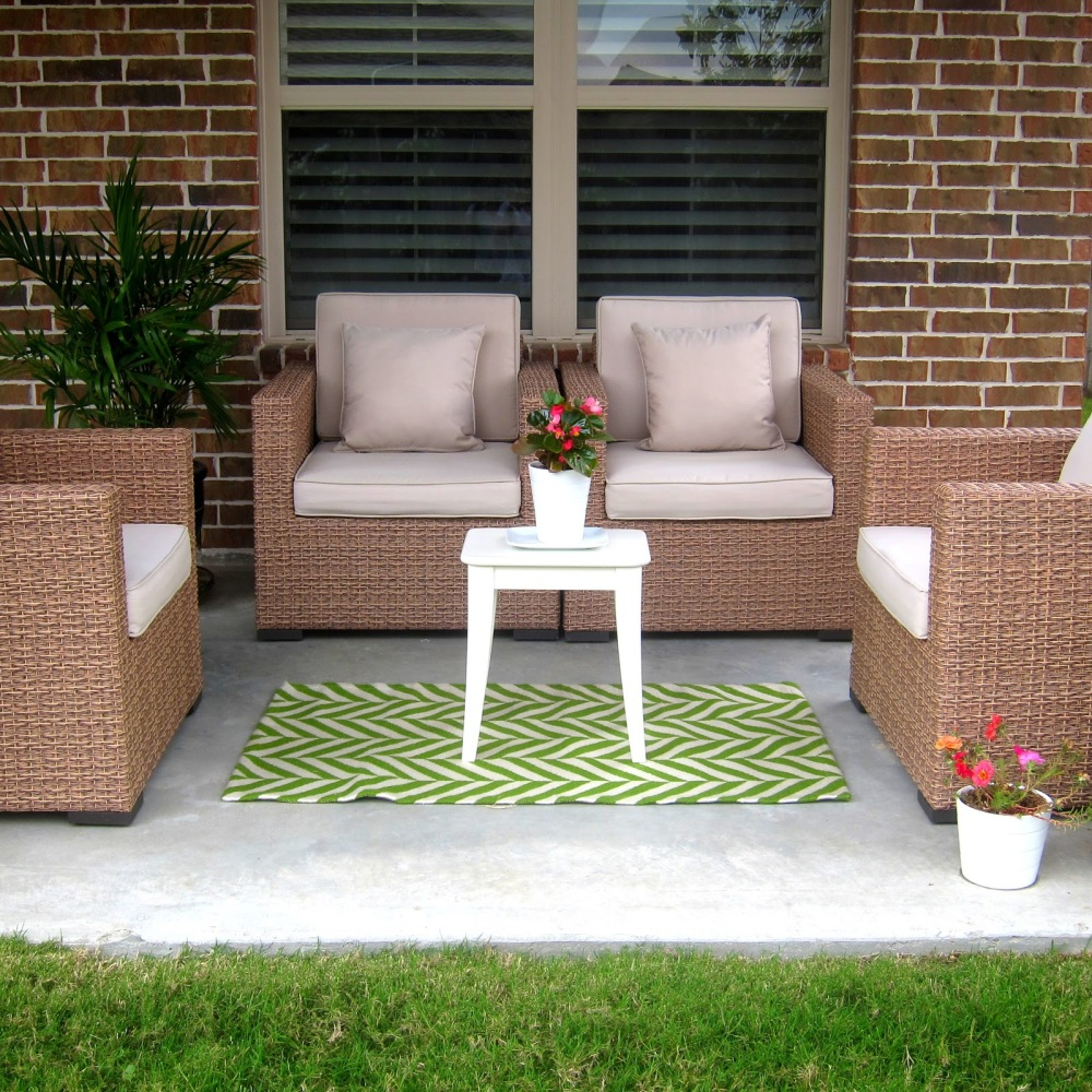 cool-chic-and-comfortable-outdoor-green-rugs-design-ideas-suitable-for-back-yard-ideas-of-outdoor-decorative-rugs-for-patios-patio-sets-on-sale-outdoor-rugs-for-patios-porch-furniture