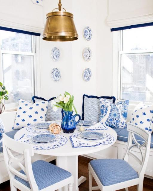 Blue-Banquette-550x687