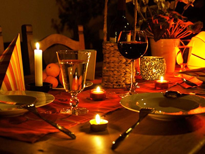 abendessen, Romatisch, Kerzenschein, Kerze, atmosphäre, celebration, dining, event, flasche, geburtstag, glas, italienisch, essen, jahrestag, luxury, wein, Tisch, Restaurant, zuzweit, Liebe, Romantik, Abend,Hochzeit, Stimmung,celebration, chamber,Feier, Feiern, Party,Silvester,dunkel